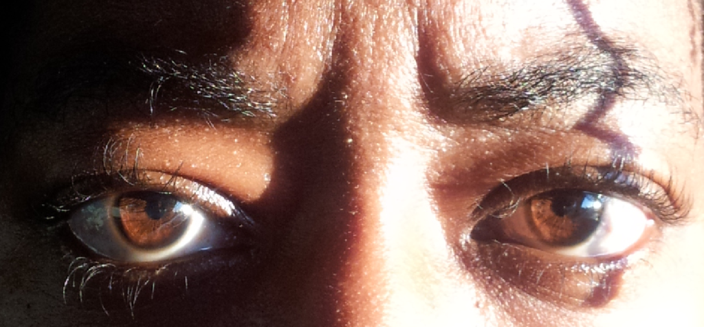 LOOK AT THE PUPILS UP CLOSE..